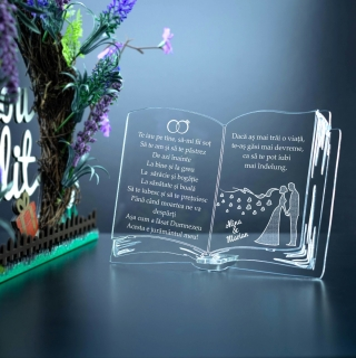 Cadou personalizat Trofeu Plexiglas dreptunghiular in forma de CARTE juramant de nunta